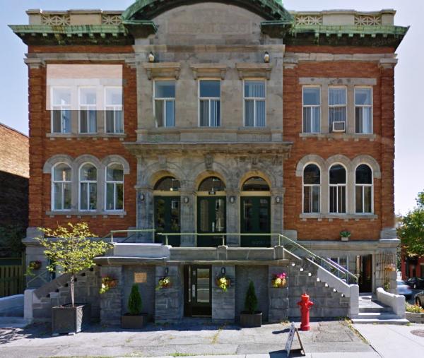 Première école Saint-Enfant-Jésus, boulevard Saint-Joseph (Google Street View)