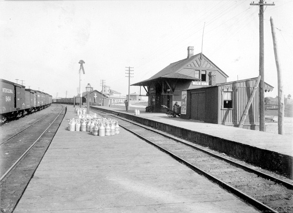 Mile End Station, prior to 1910 (Canadian Pacific Archives).