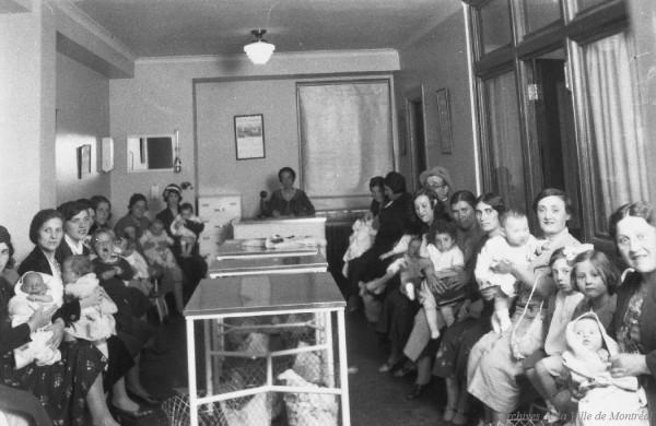 Salle d'attente de la clinique Seigler (Laurier), 1933. AVM, VM94-Z97