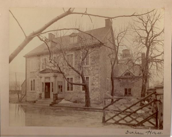 - «Durham House», photo non datée. La maison a été démolie vers 1928 (collection de la famille Bagg).