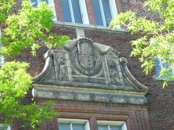 Les armoiries royales, avec la licorne écossaise à gauche et le lion anglais à droite