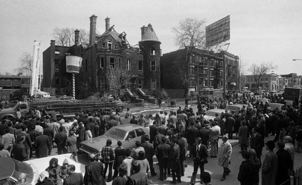La maison Mainwaring, au lendemain de l'incendie du 8 avril 1973. Photo Jean Goupil, Archives du journal La Presse.