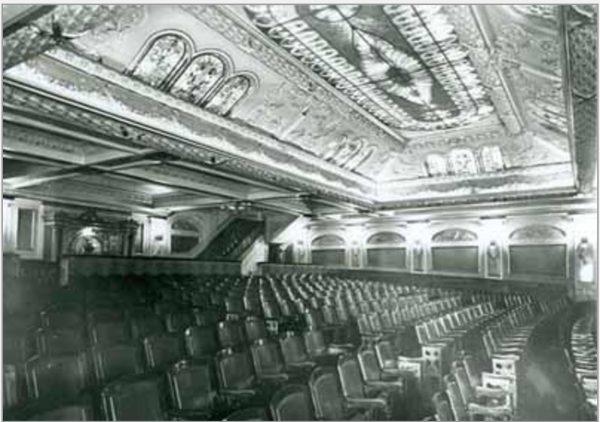 L'intérieur du Rialto en 1930. Bibliothèque et Archives Canada