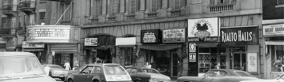 Théâtre Rialto et commerces, années 1970