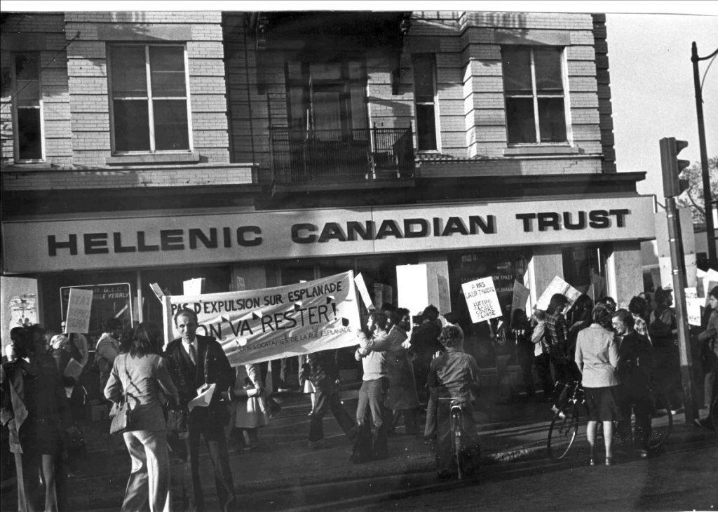 Manifestation de locataires expulsés de leurs logements de l'avenue Esplanade, organisée par le Comité logement Saint-Louis, 12 mai 1977.